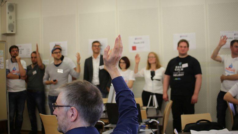 Demokratisch: Sessionplanung beim Barcamp Kirche online 2015